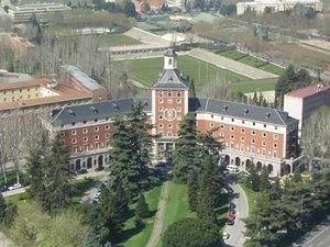 Ofertas de empleo público: 40 plazas de auxiliar administrativo y 10 de auxiliar de biblioteca en la Complutense